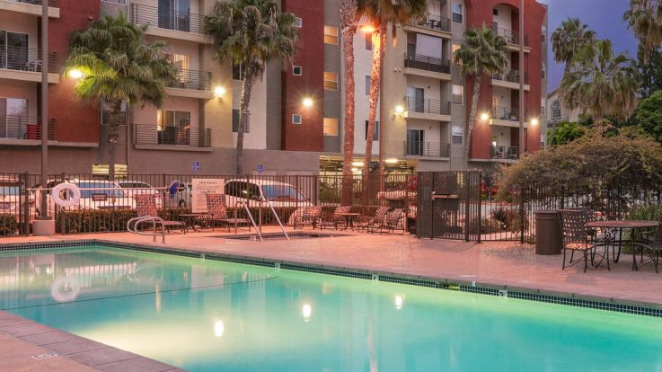 Del Mar Ridge Apartments - Swimming Pool