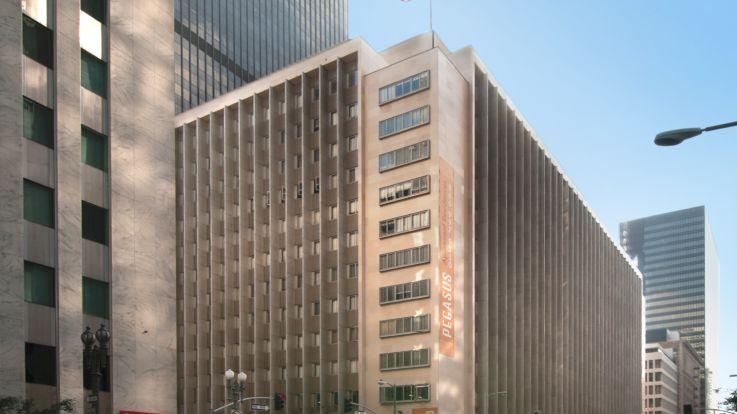 Pegasus Apartments - Exterior