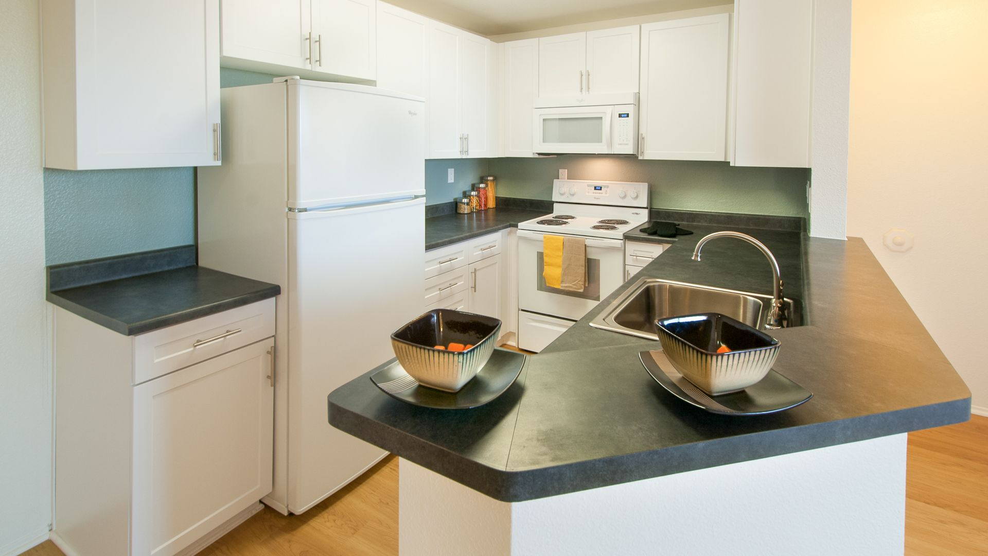 Canyon Ridge Apartments - Kitchen