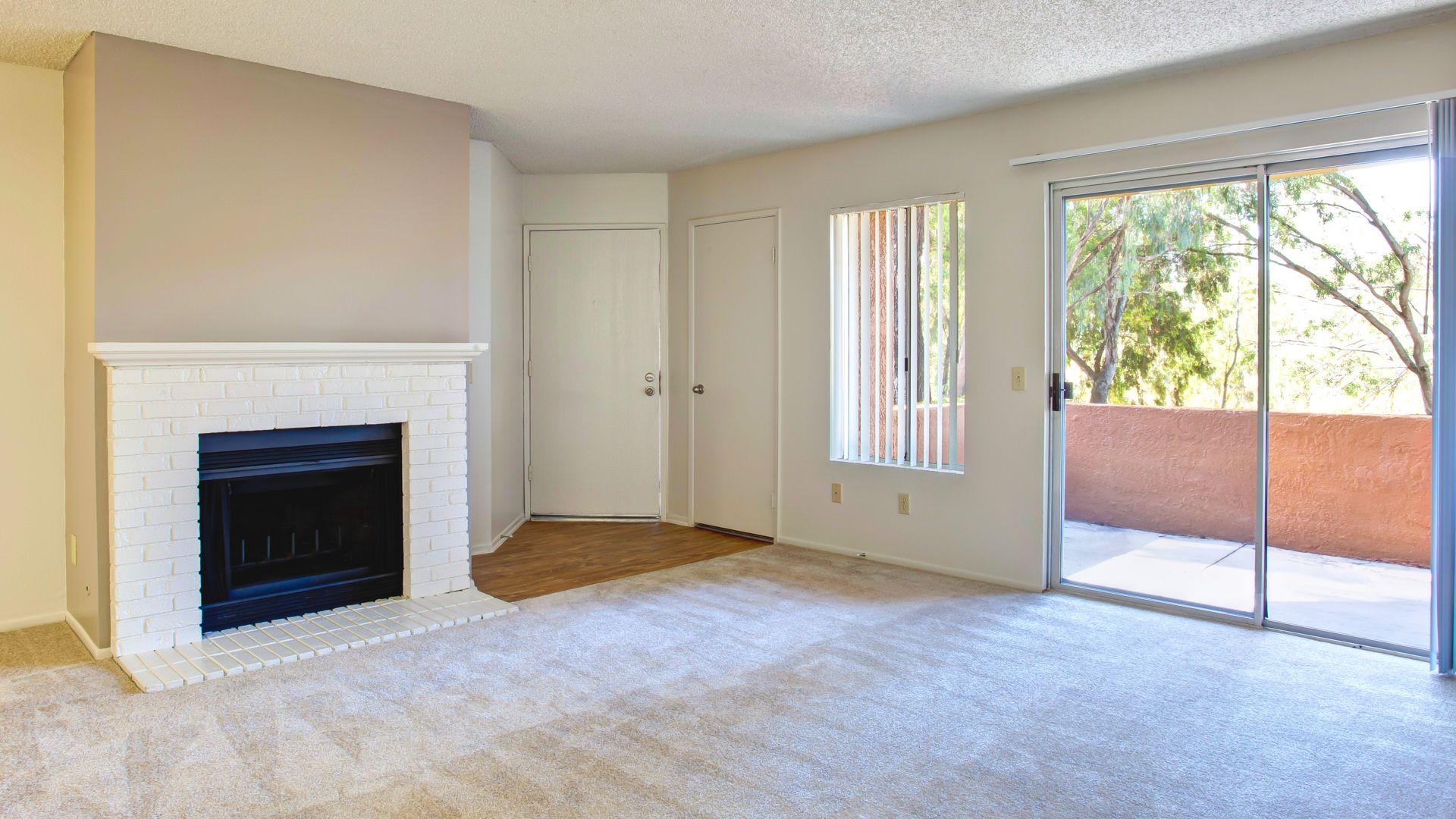 Villa Solana Apartments - Living Room