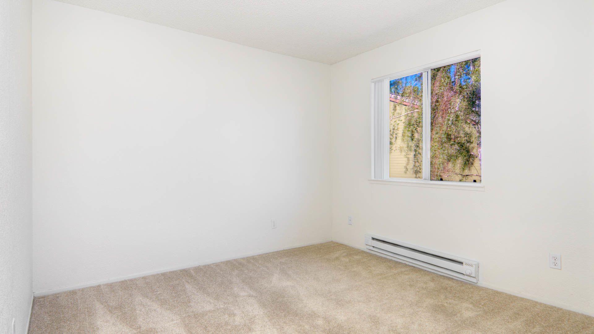 Woodleaf Apartments - Bedroom