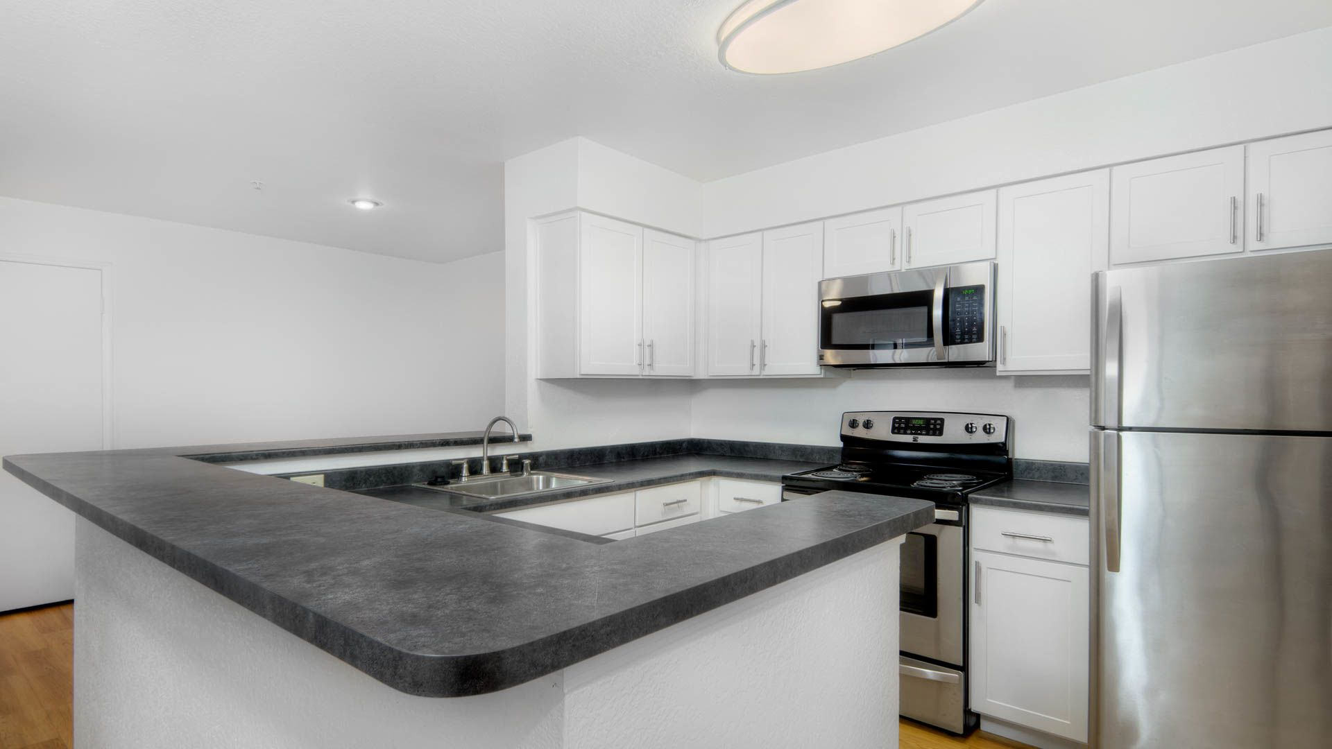 Mill Creek Apartments - Kitchen