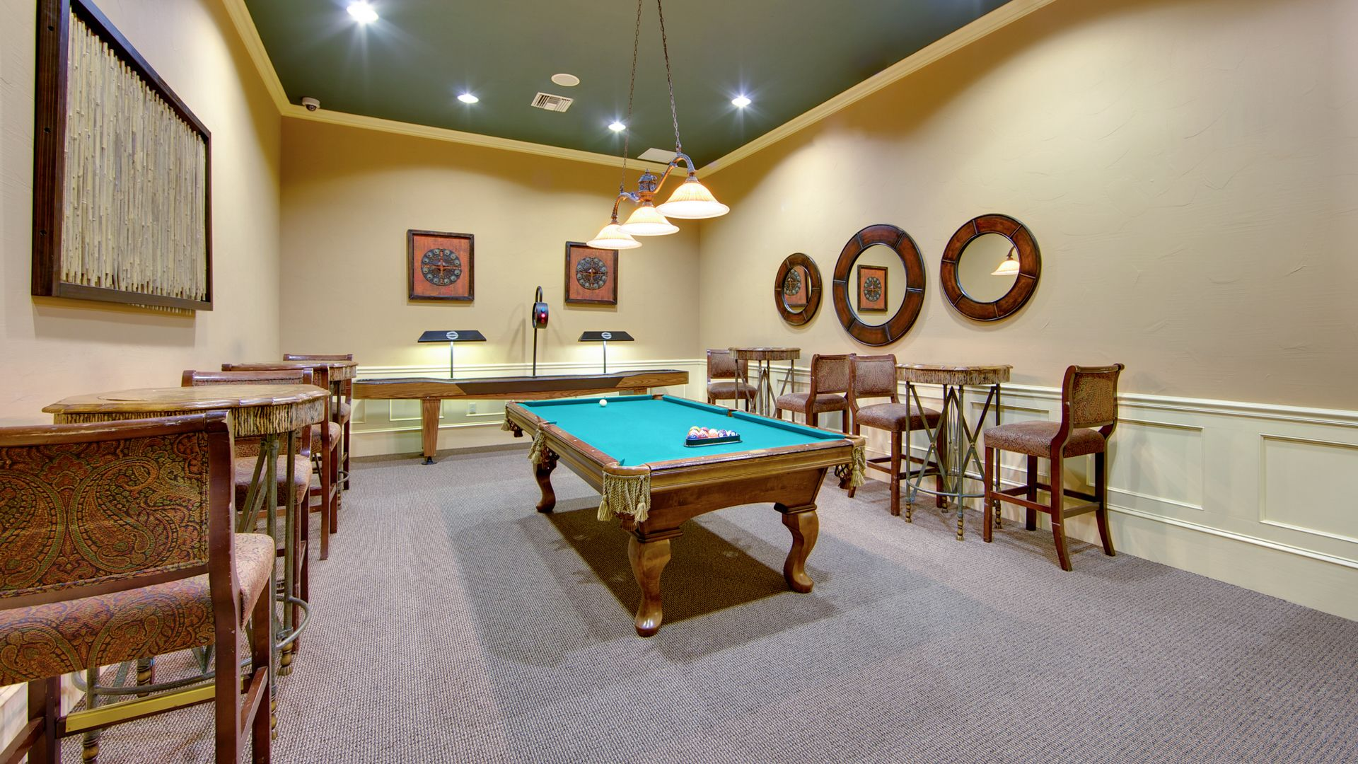 Promenade at Town Center Apartments - Billiard Room