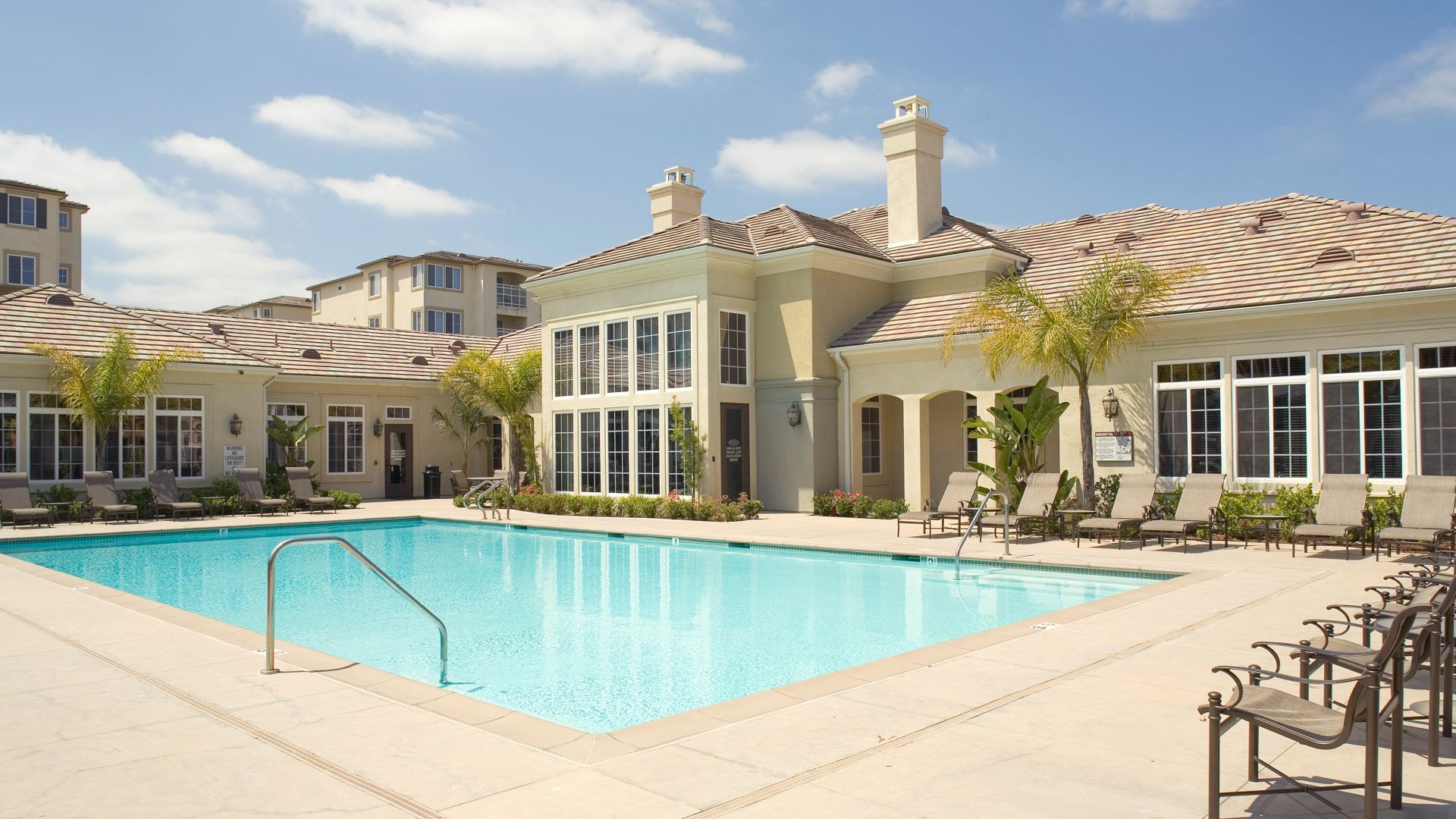 Bella Vista At Warner Ridge Apartments   Swimming Pool