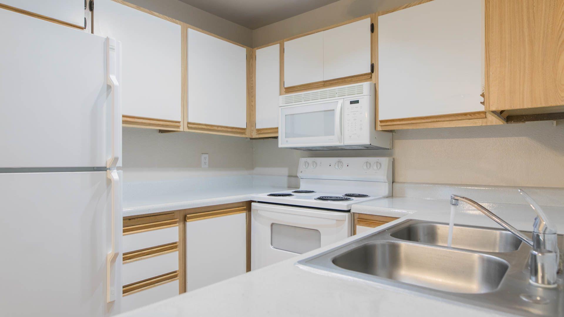Hampshire Place Apartments - Kitchen