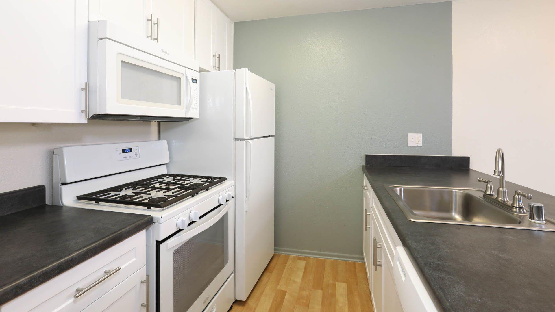 Virgil Square Apartments - Kitchen