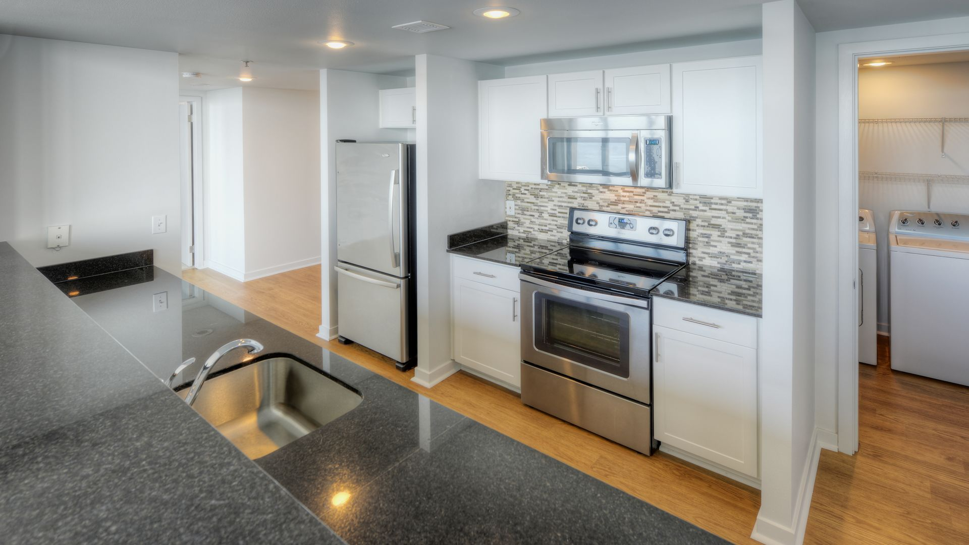 Two Bedroom Apartment Seattle : Two Bedroom Apartment Seattle. Master bedroom with king size bed Smart ...