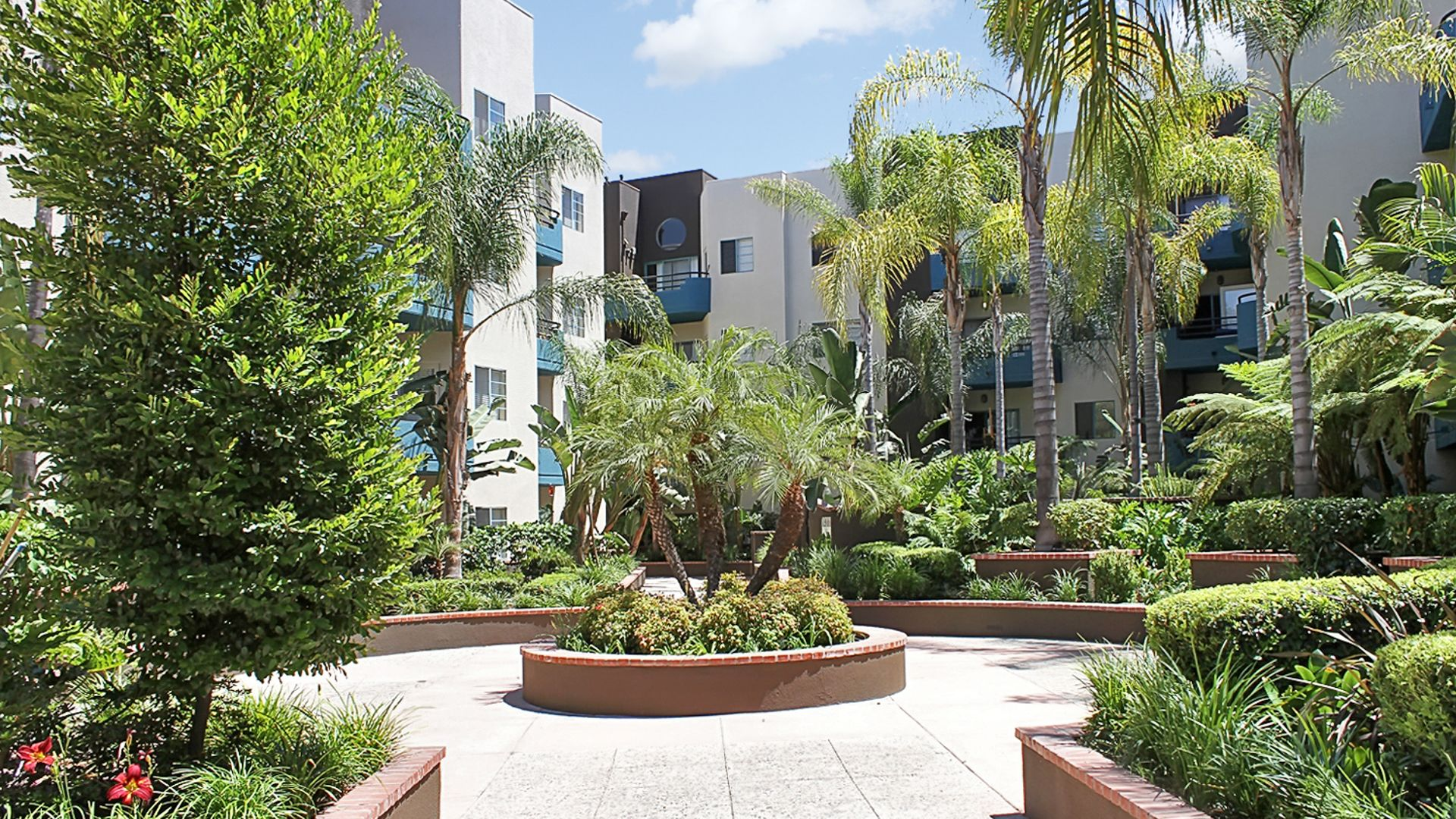 Academy Village - Courtyard