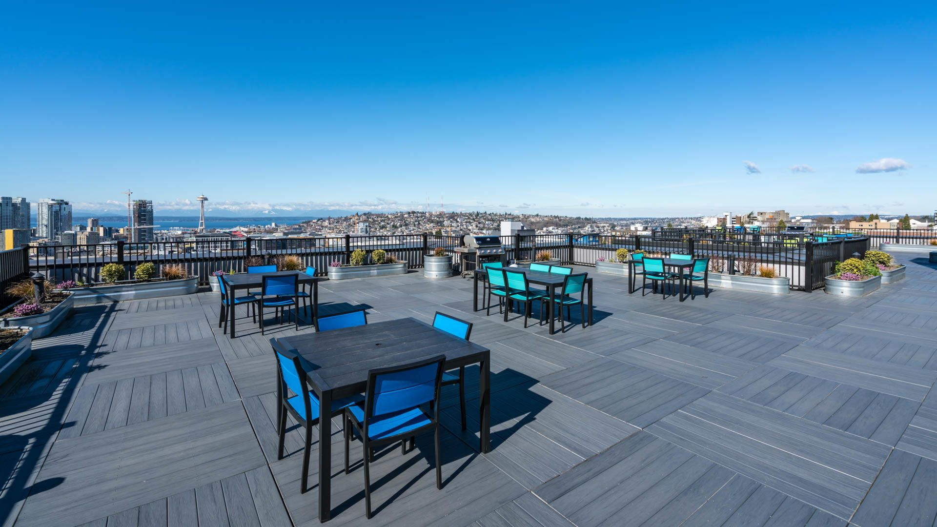The Heights on Capitol Hill Apartments - Rooftop Lounge