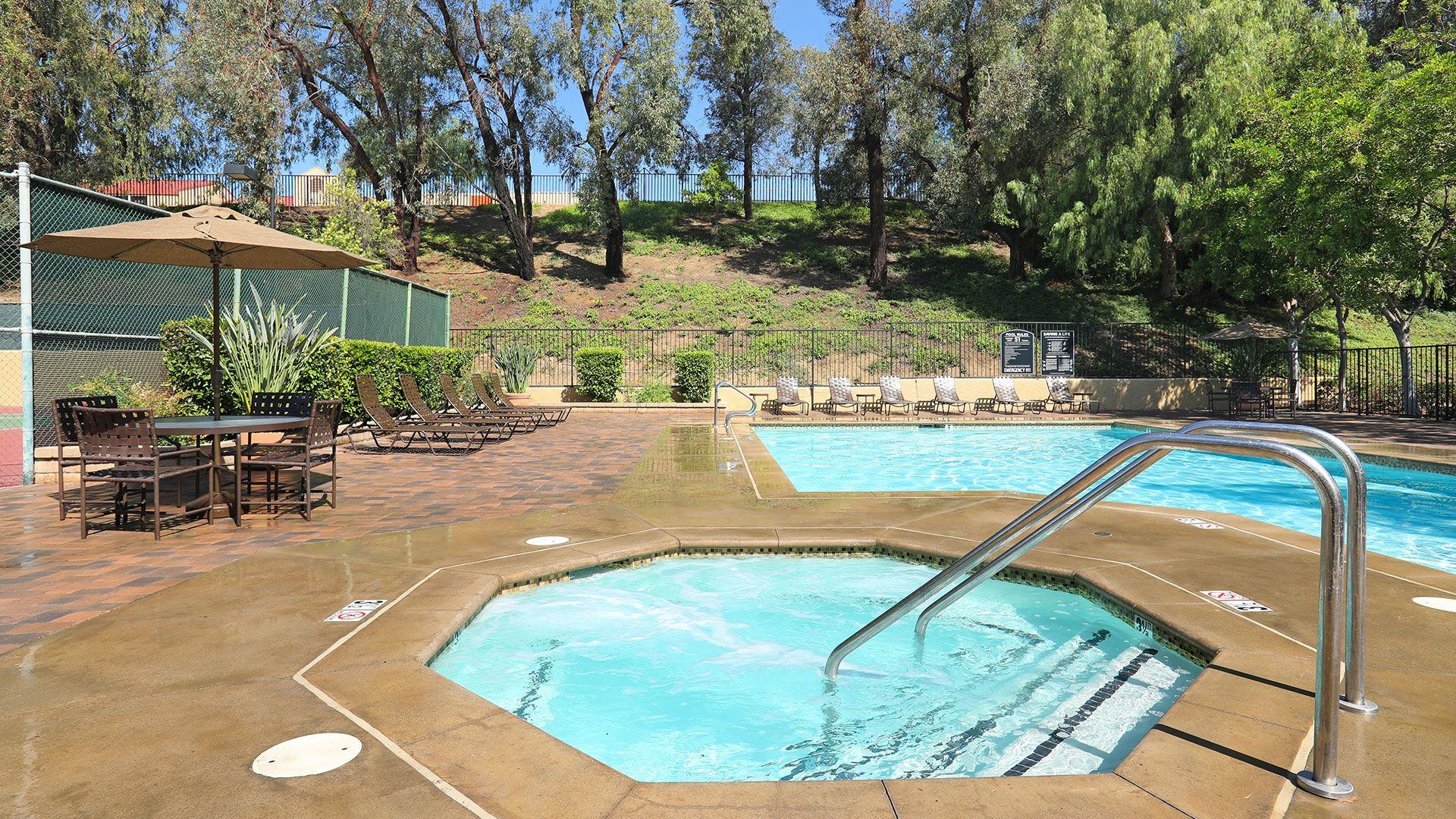 Eagle Canyon Apartments - Swimming Pool