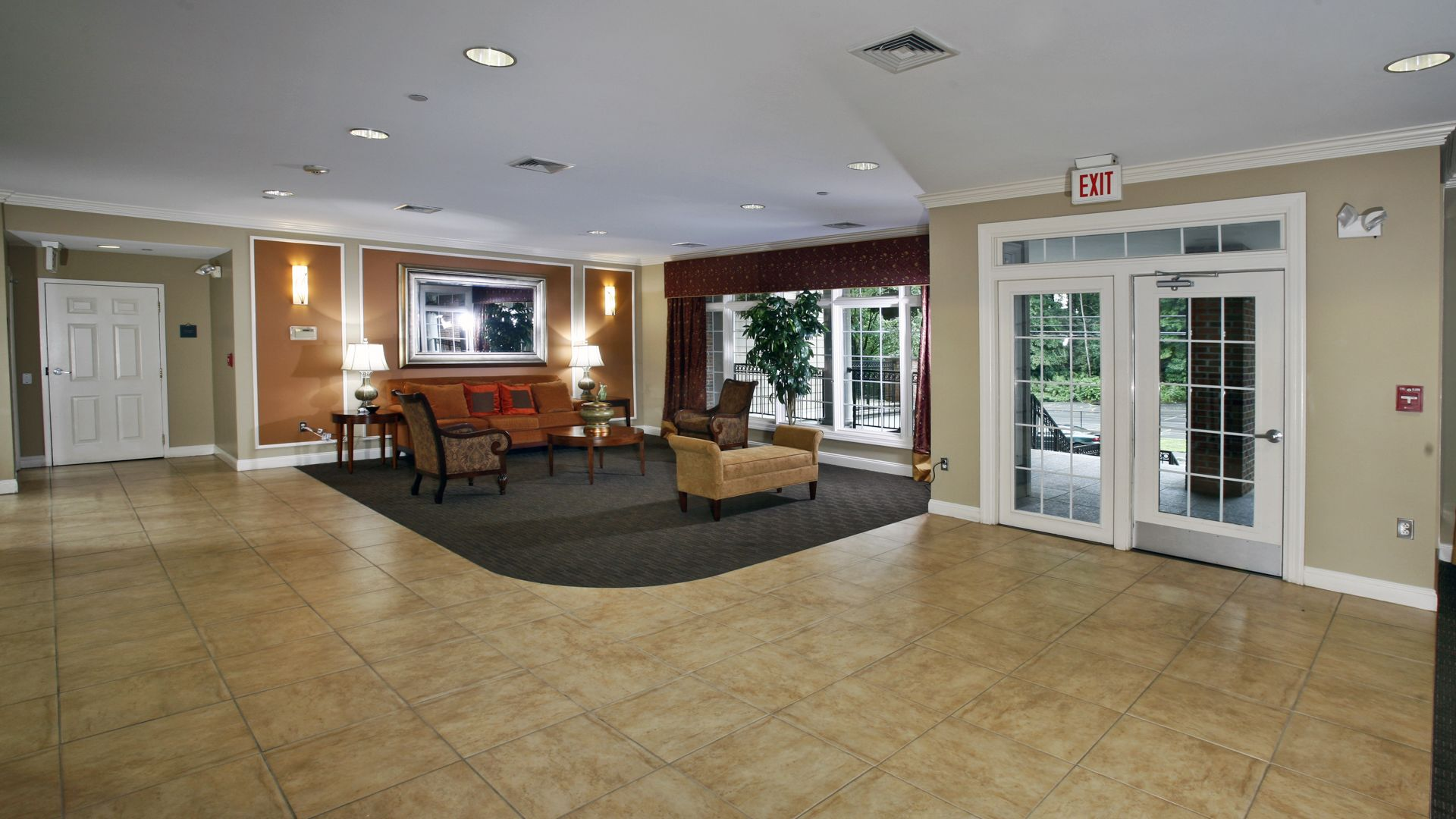 Fairfield Apartments - Lobby Lounge