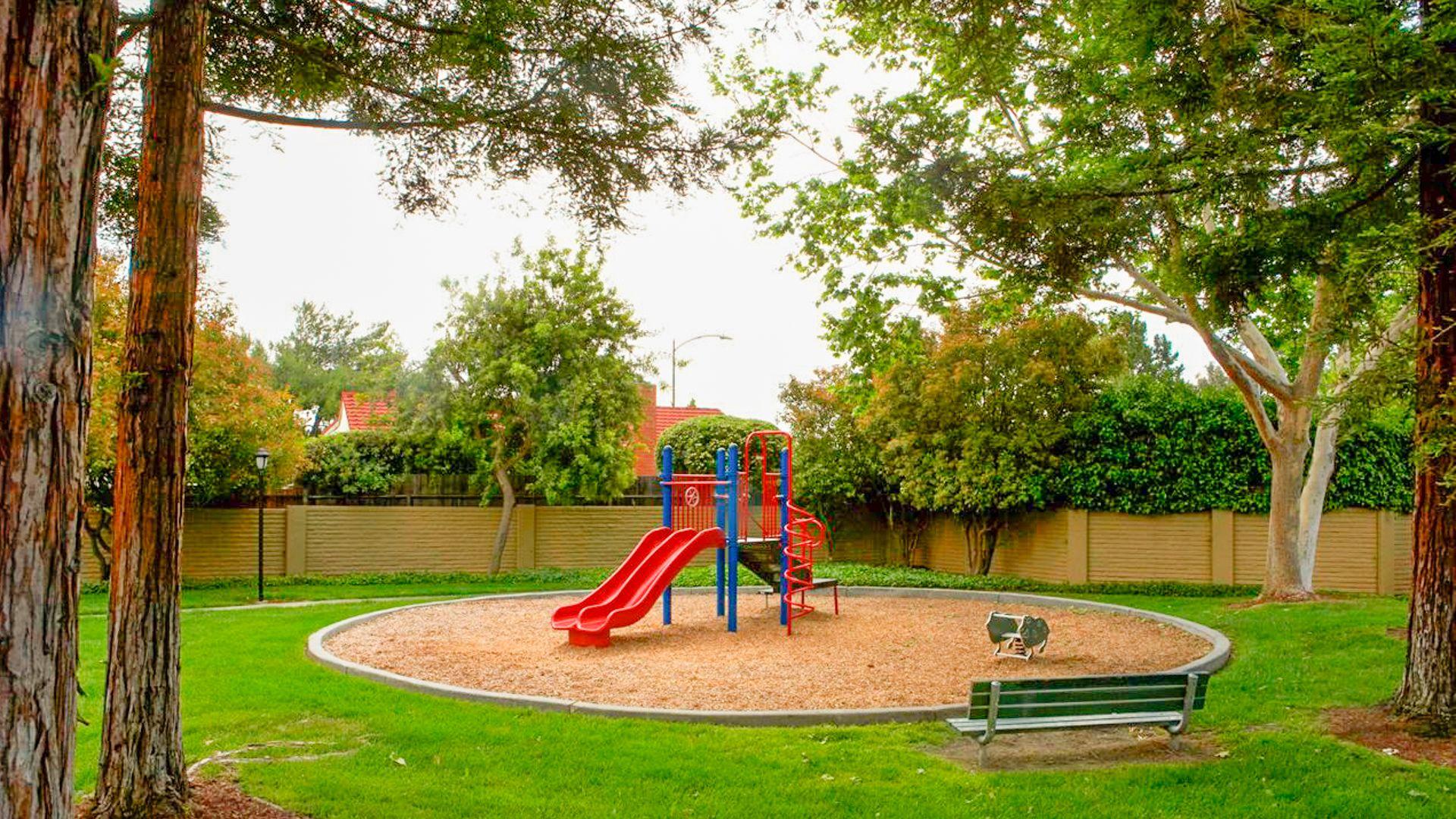 Verde Apartments - Playground