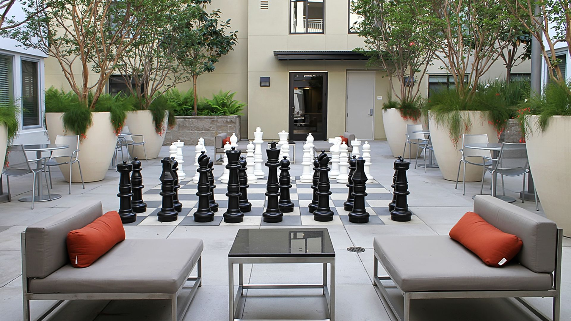 Westgate Apartments - Courtyard