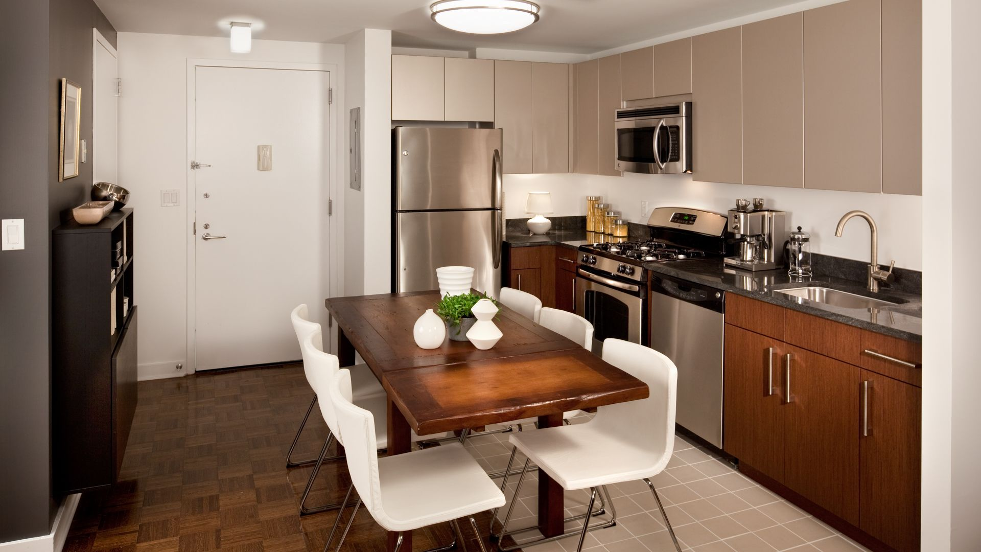 The Brooklyner Apartments - Kitchen
