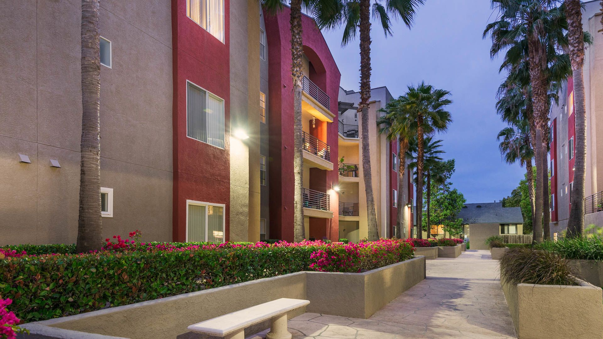 Del Mar Ridge Apartments - Exterior