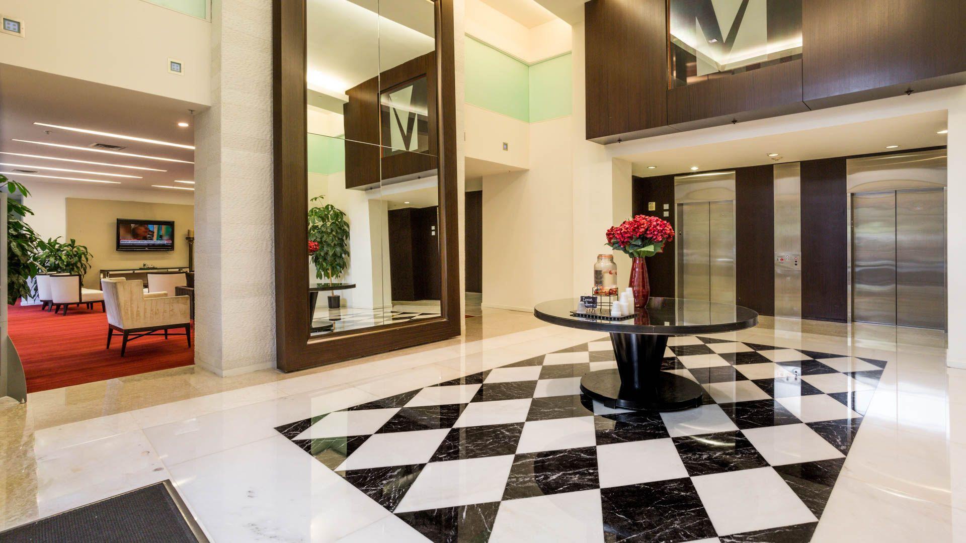 Vista on Courthouse Apartments - Lobby