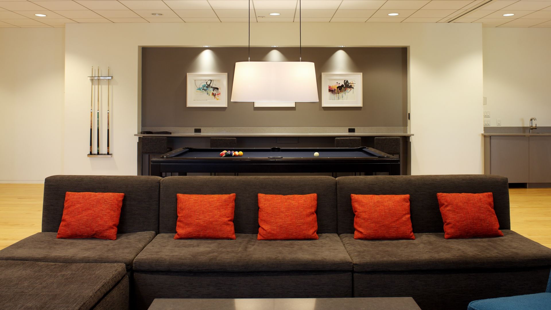777 Sixth Avenue Apartments - Resident Lounge