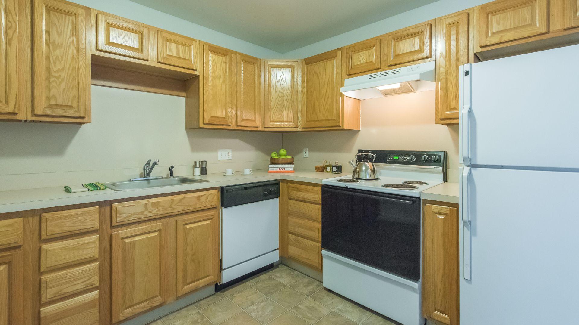 Glen Meadow Apartments - Kitchen