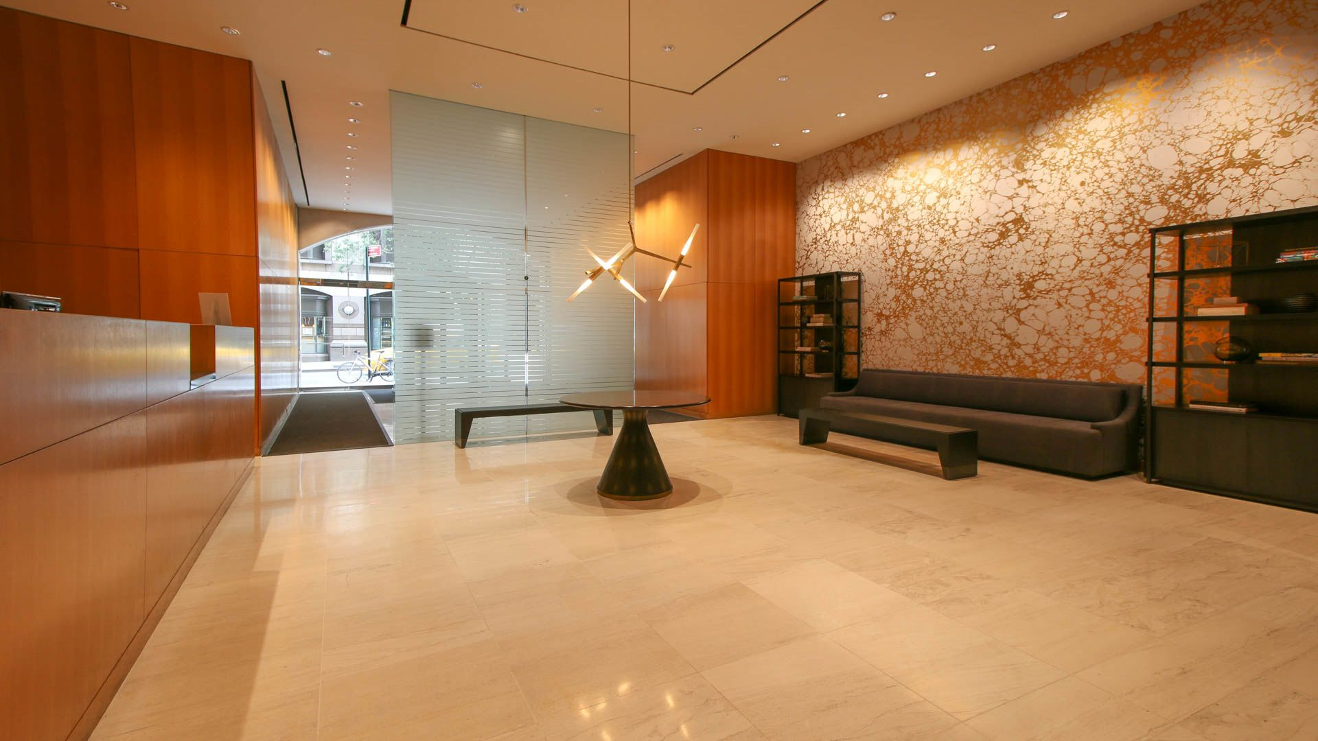 Longacre House Apartments - Lobby