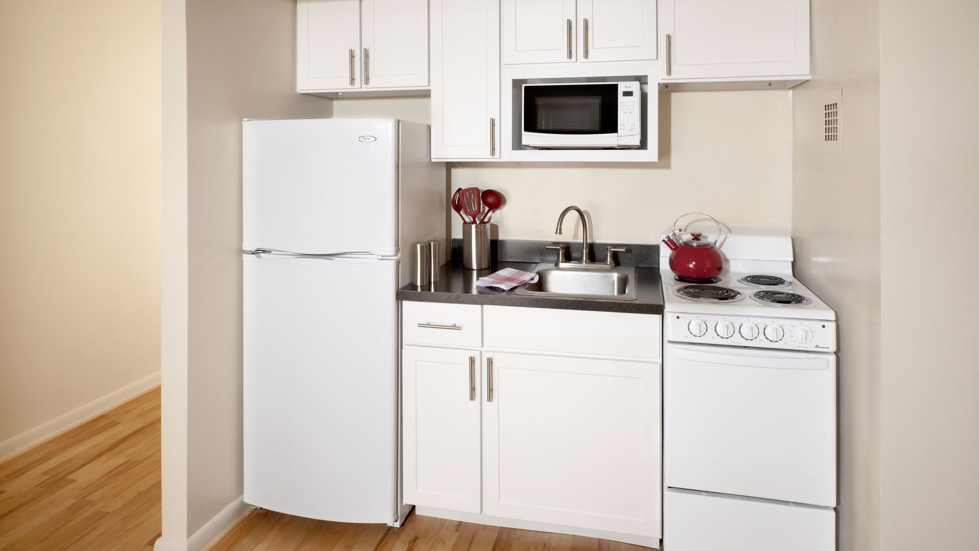 1500 Mass Apartments - Kitchen