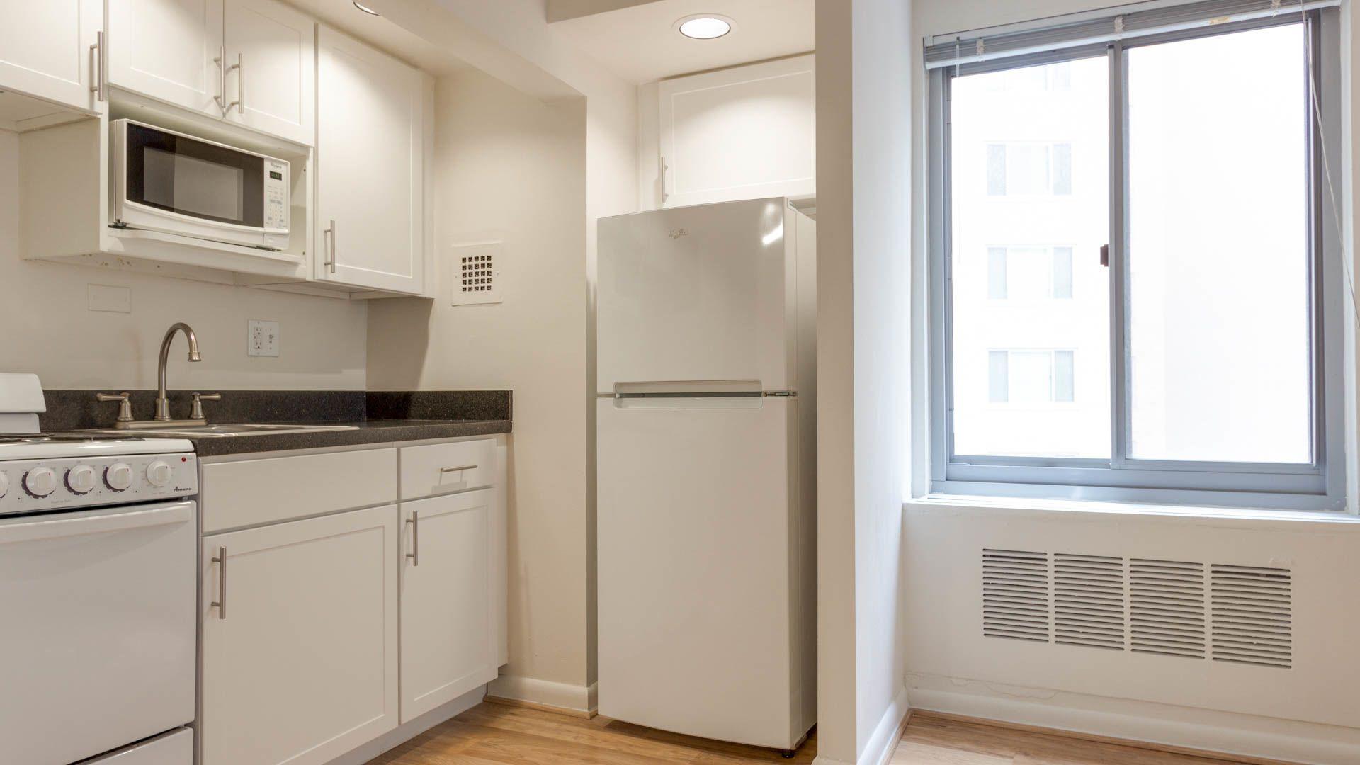 1500 Mass Apartments - Kitchen