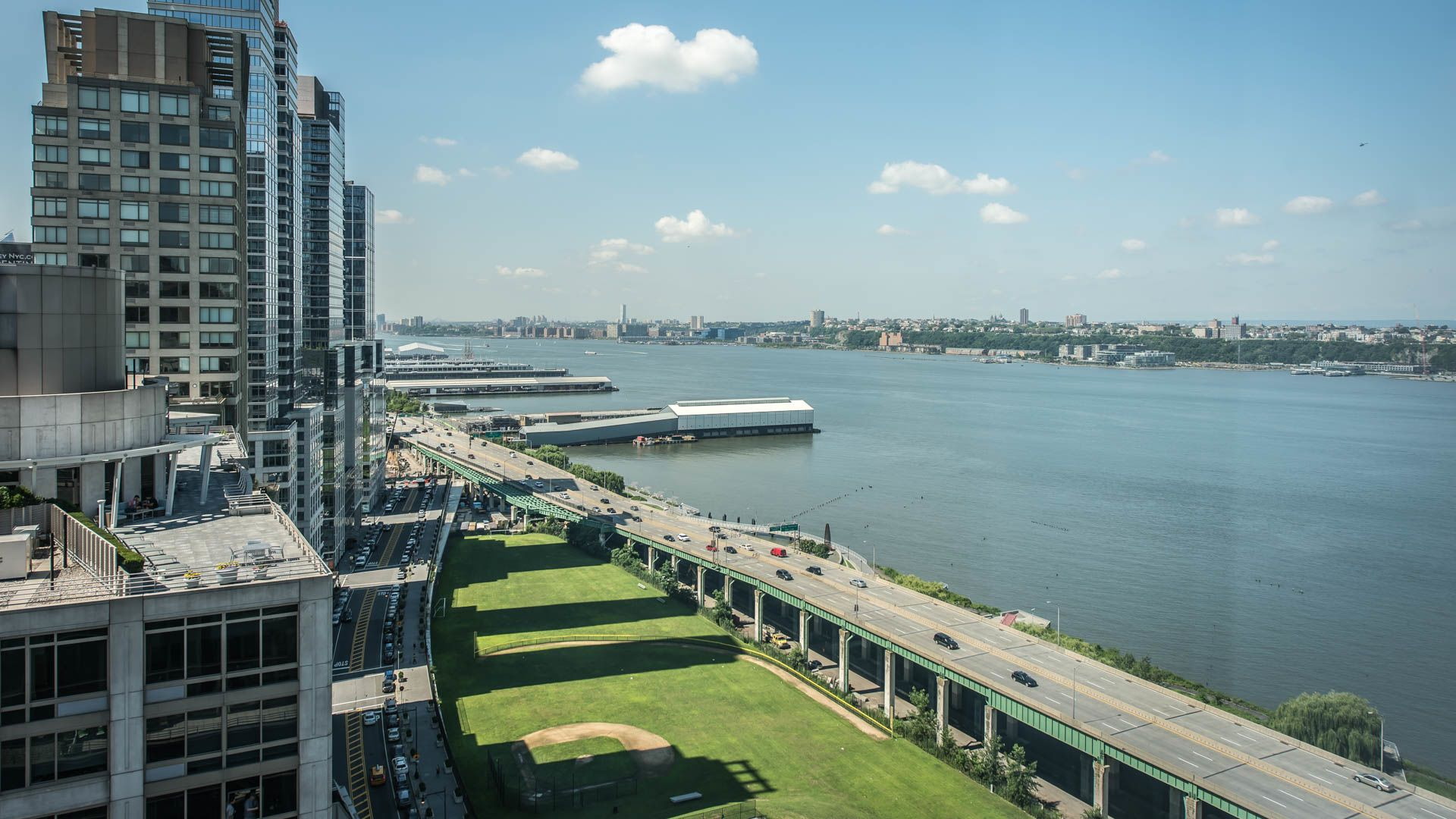 Trump Place 140 Riverside Blvd Apartments - Views