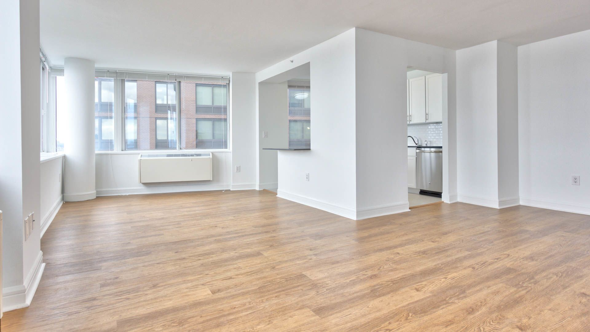 160 Riverside Boulevard Apartments - Living Area