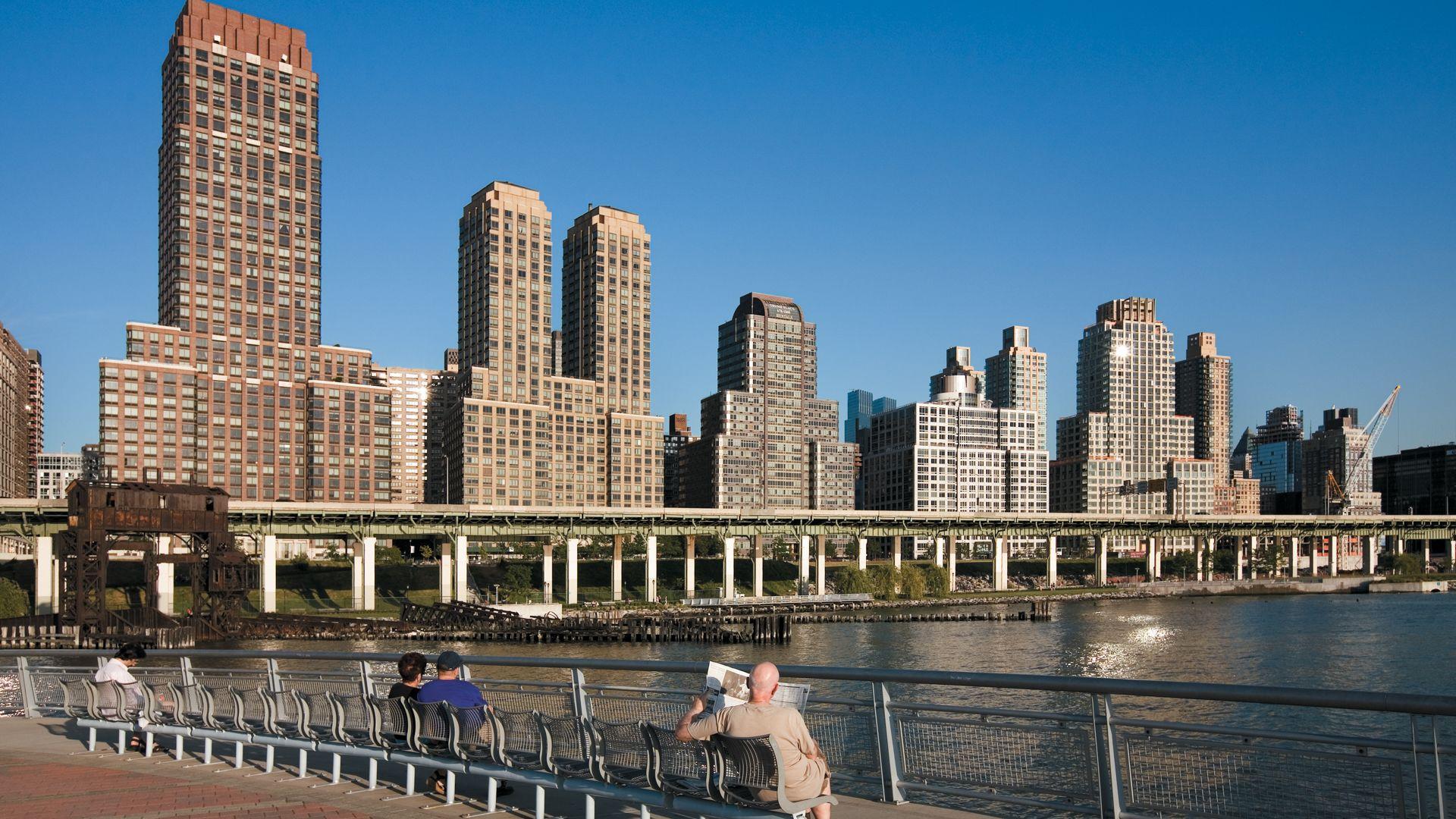 Trump Place - 180 Riverside Blvd Apartments - Building
