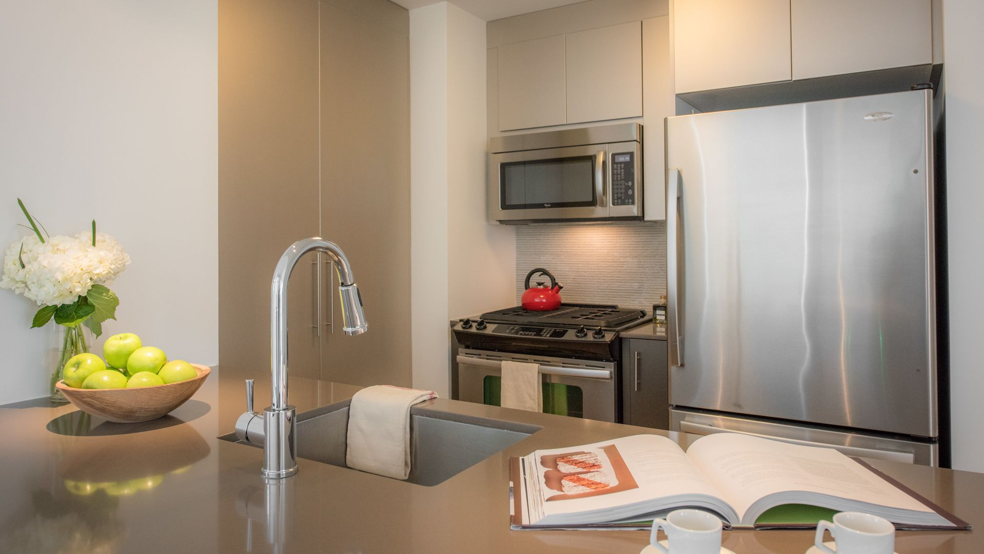 Ten23 Apartments - Kitchen