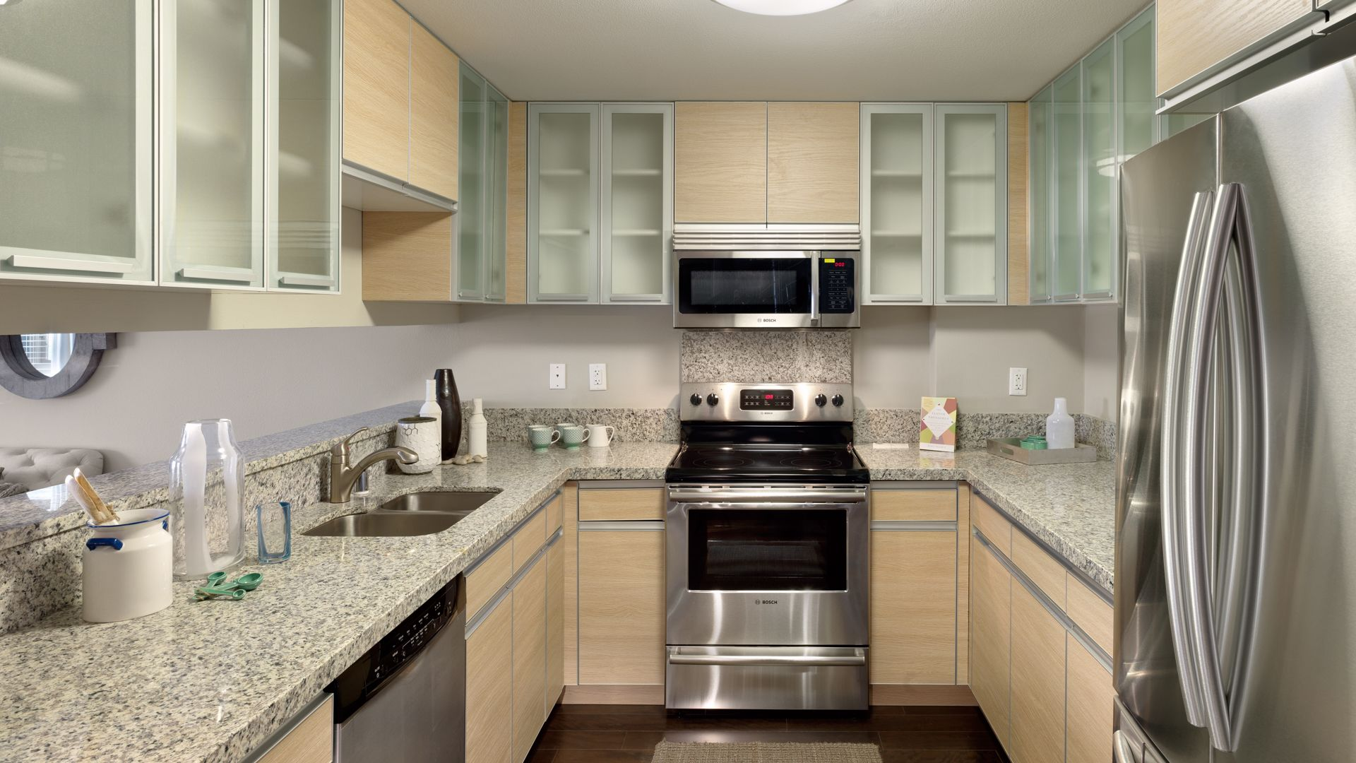 88 Hillside Apartments - Kitchen