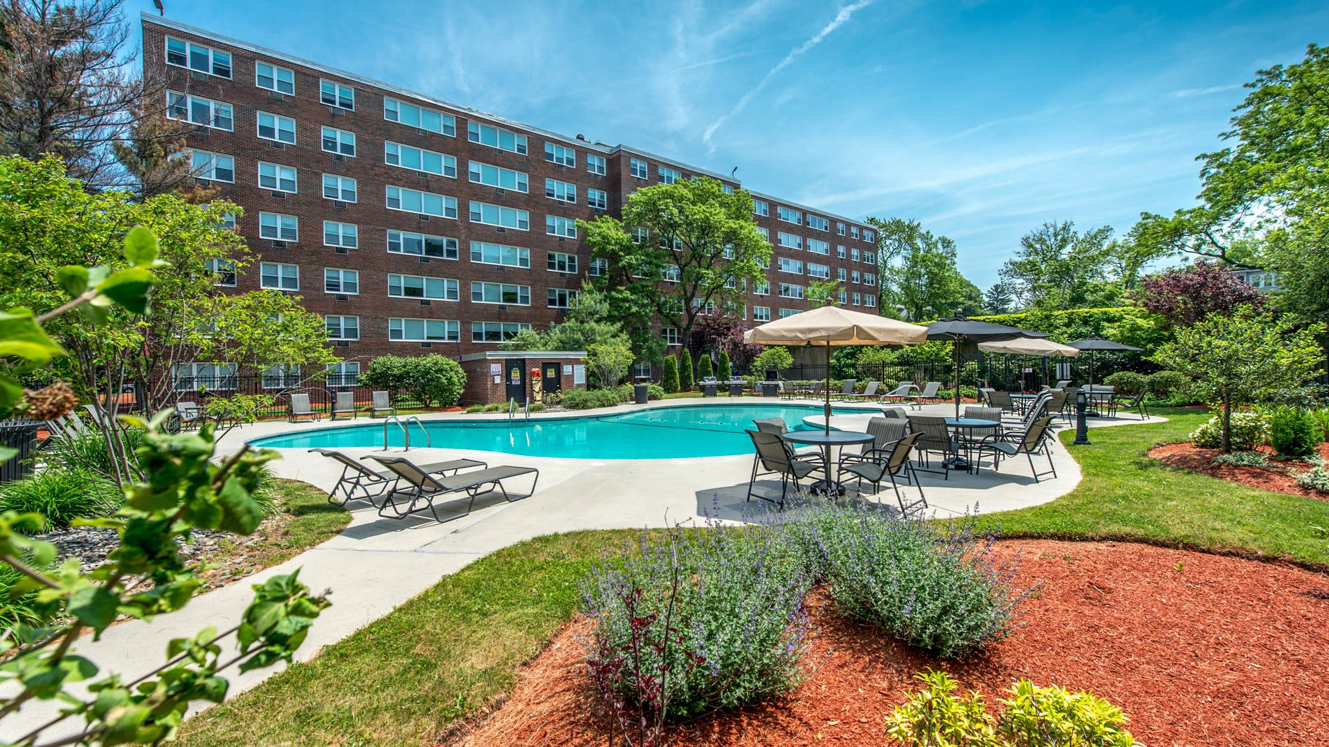 Walden Park Apartments - Swimming Pool