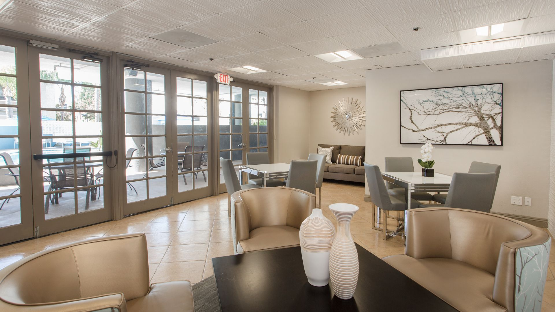 The Encore - Resident Lounge