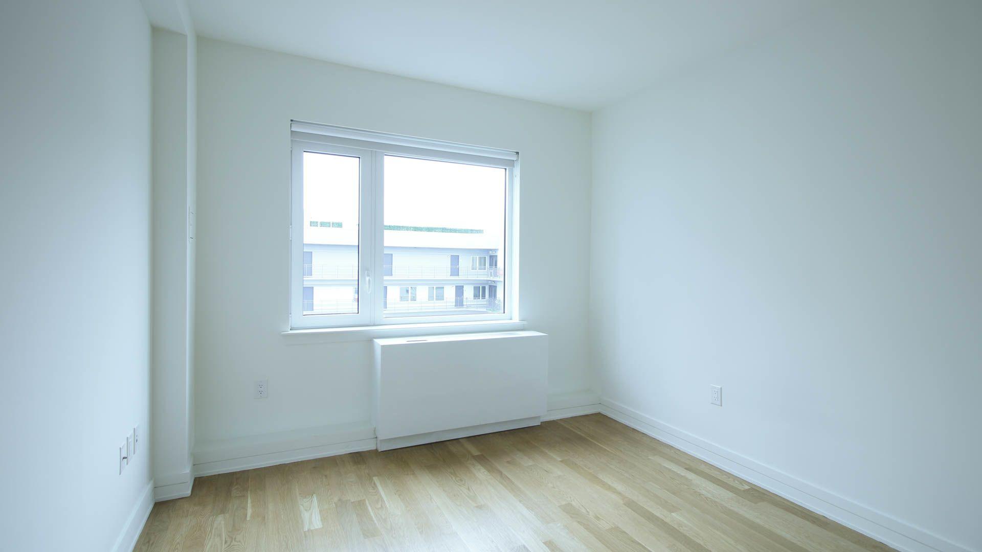175 Kent Apartments - Bedroom