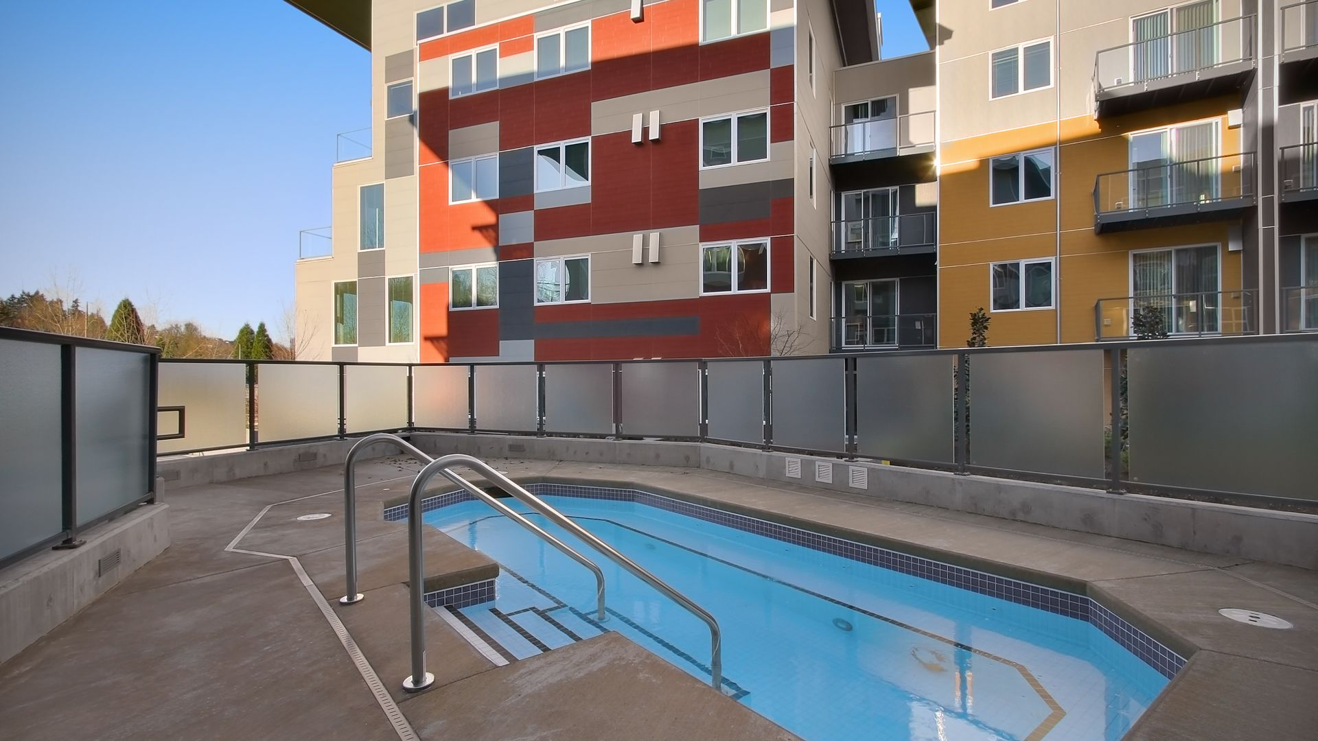 Riverpark Apartments - Hot Tub