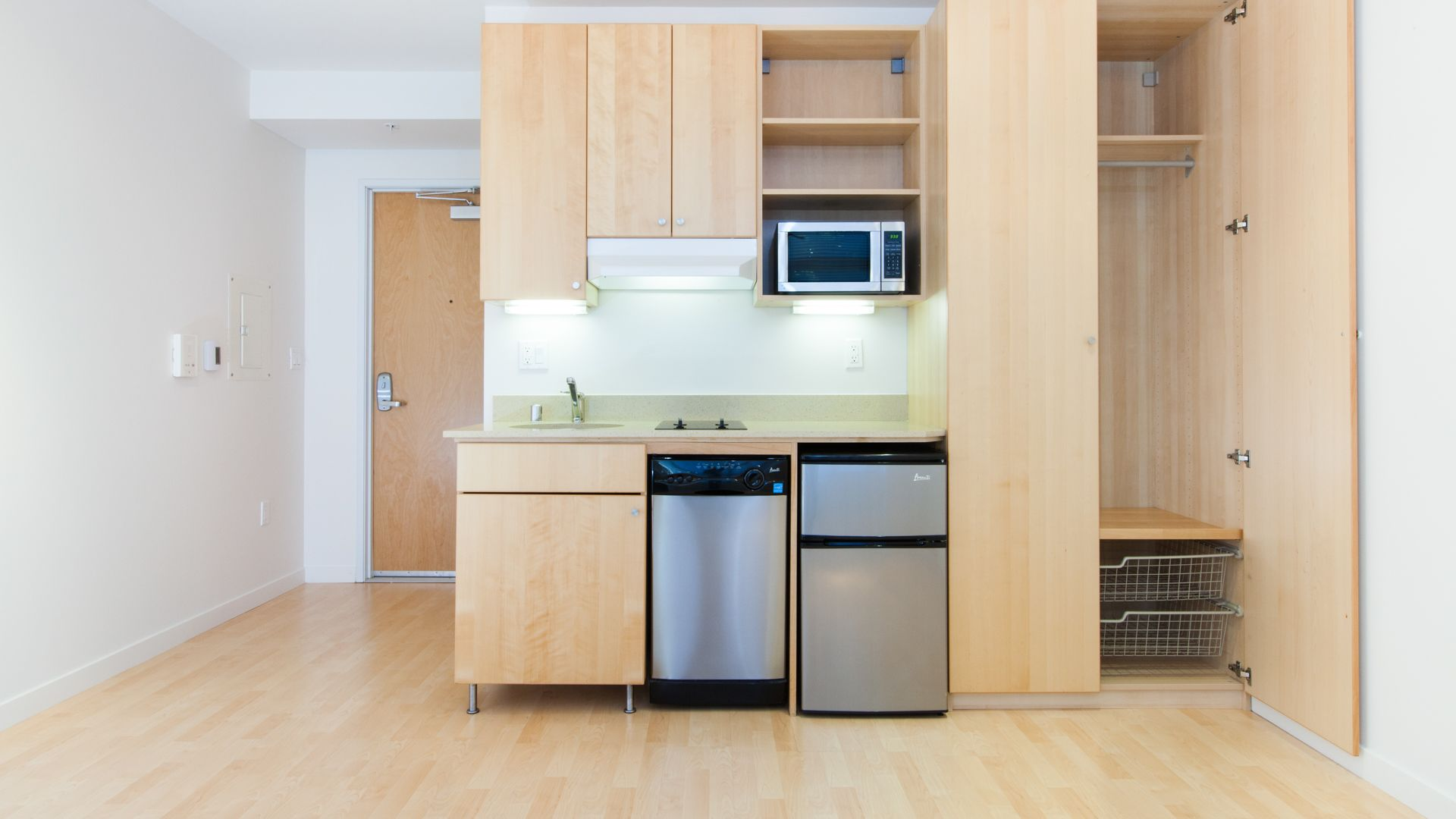 77 Bluxome Apartments - Kitchenette