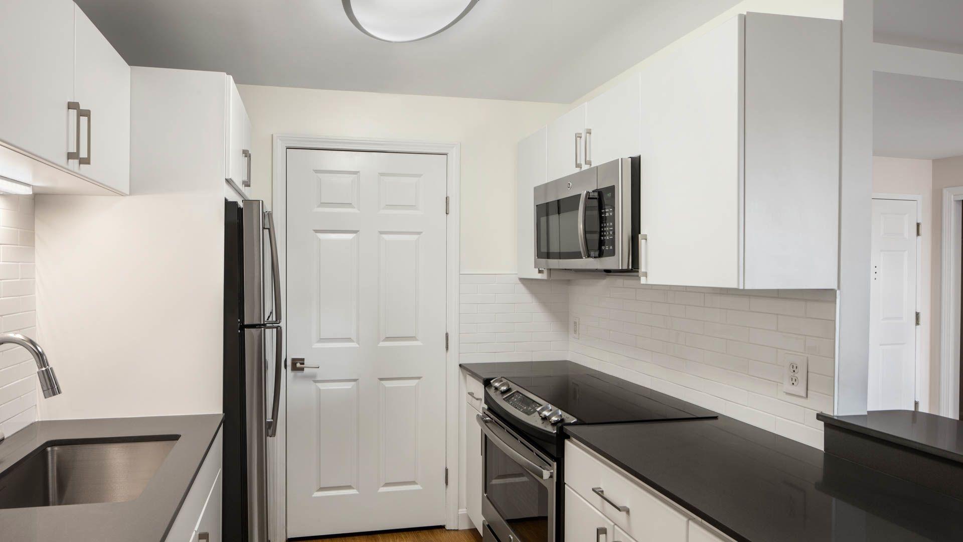 Cronin's Landing Apartments - Kitchen