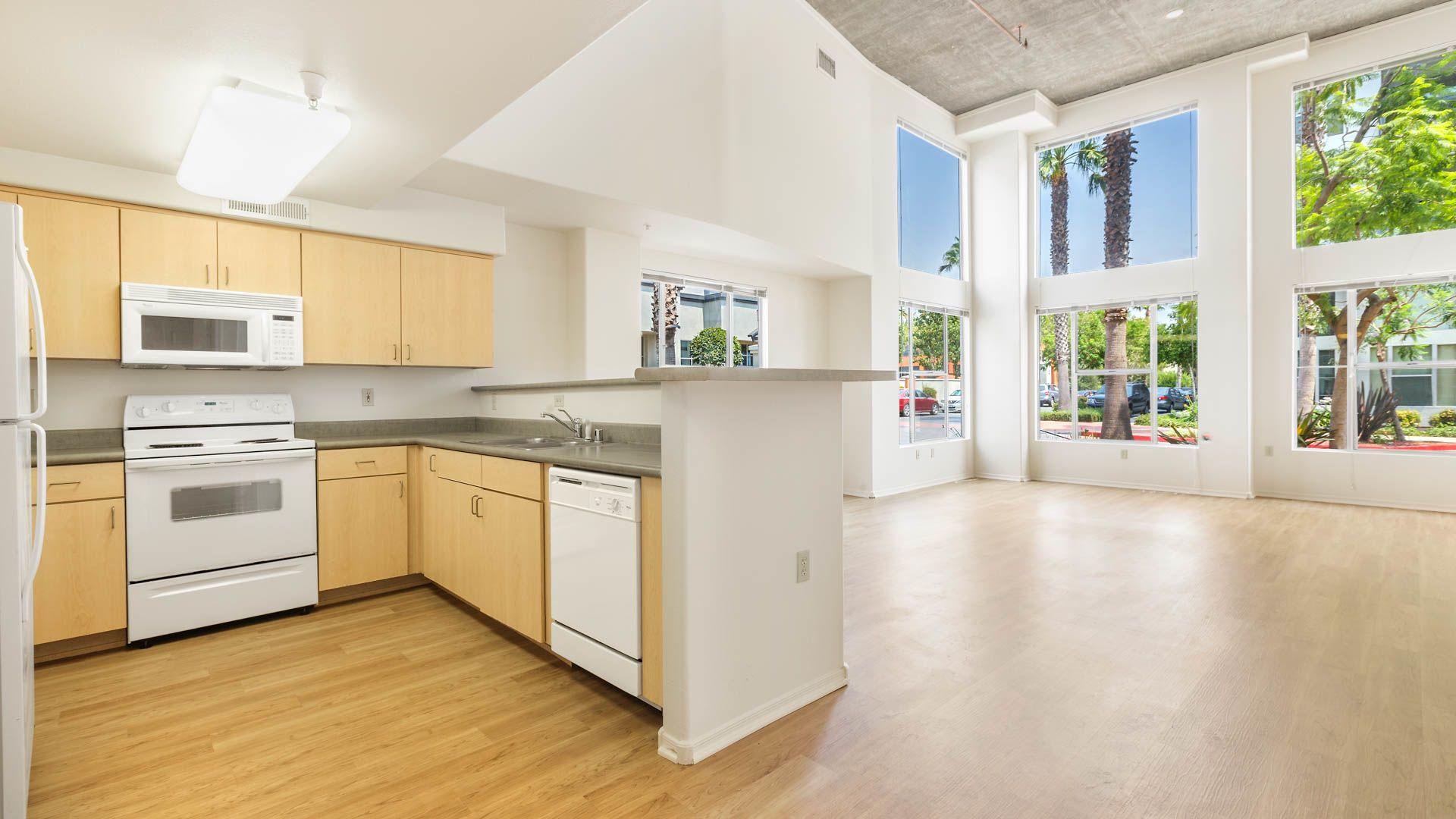 Archstone Fremont Center Apartments - Kitchen