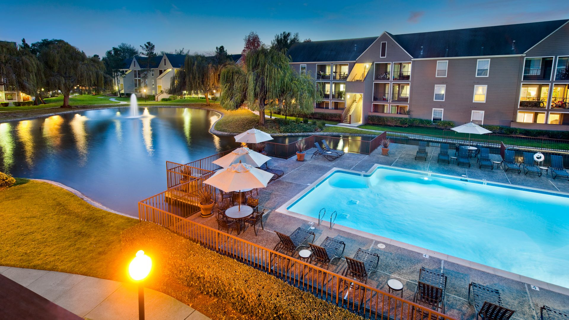 Riva Terra Apartments at Redwood Shores - Pool