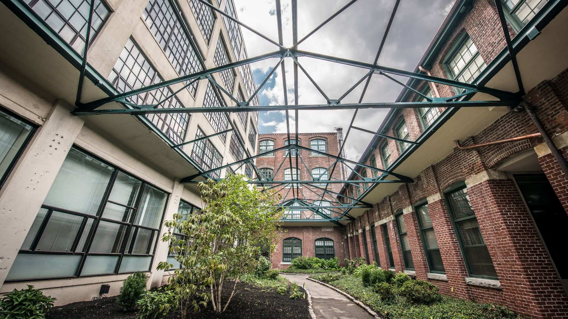 Lofts at Kendall Square Apartments - Garden Courtyard