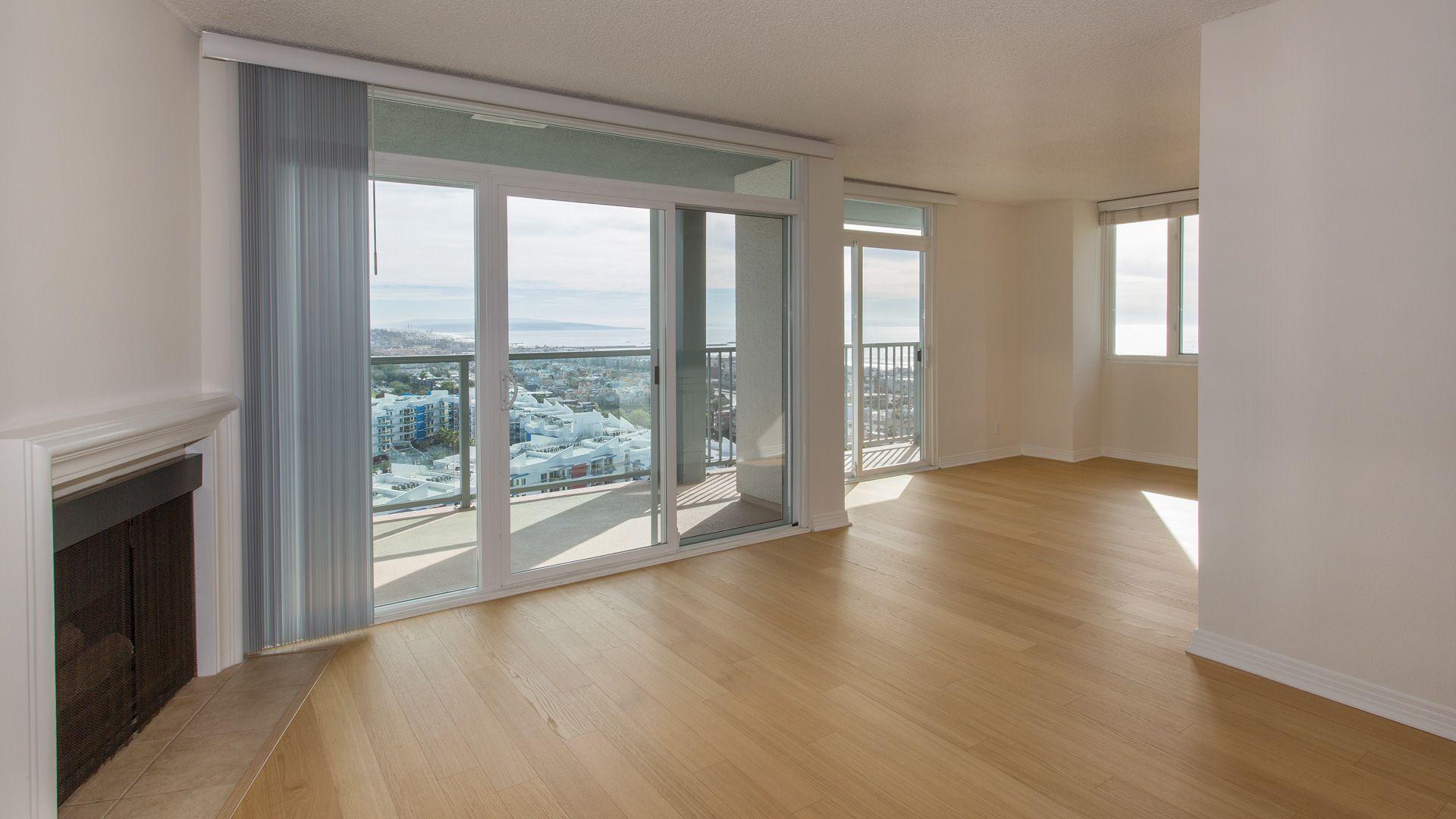 Marina 41 Apartments - Living Room