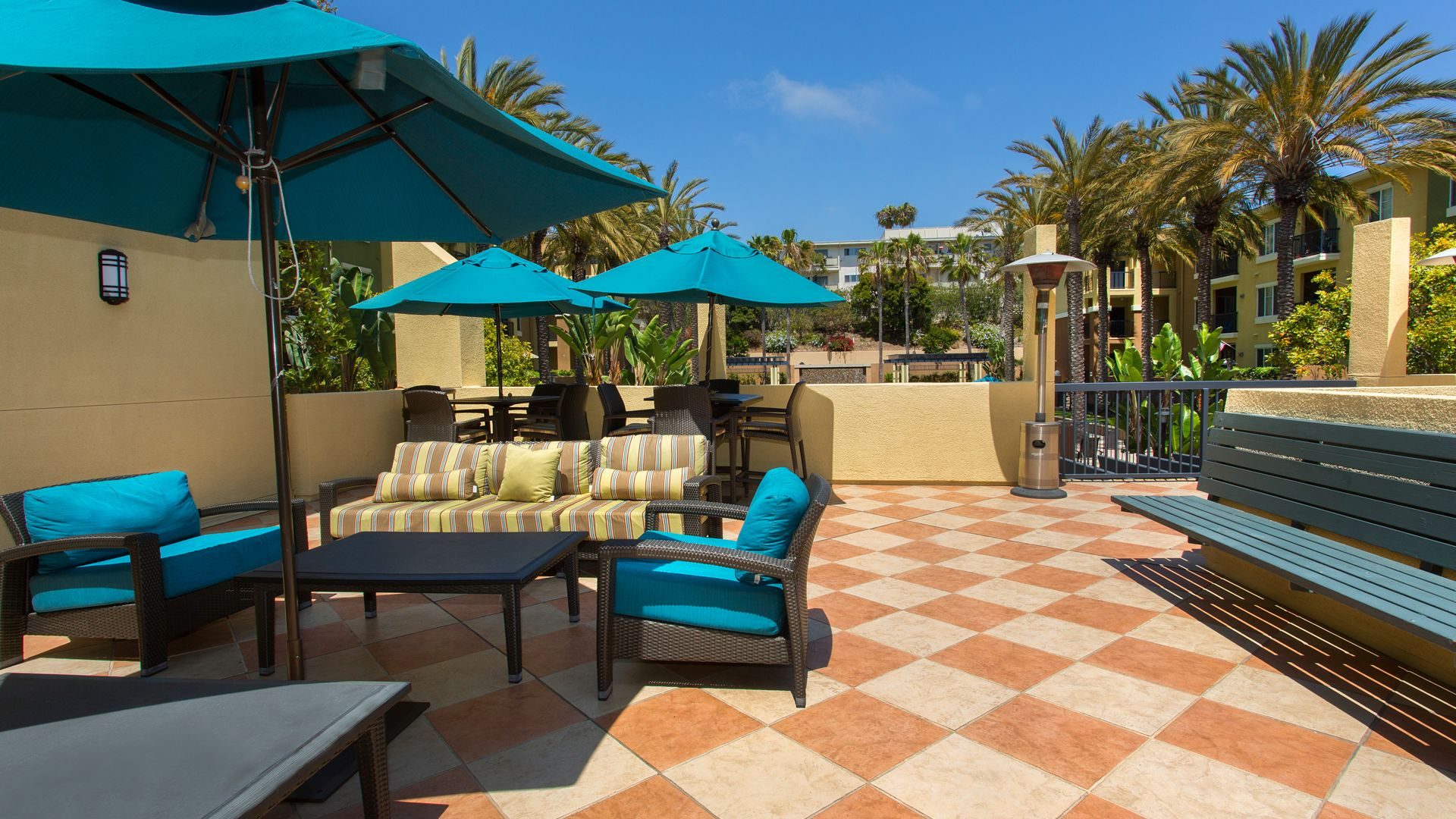 Mariposa at Playa del Rey Apartments - Sun Deck