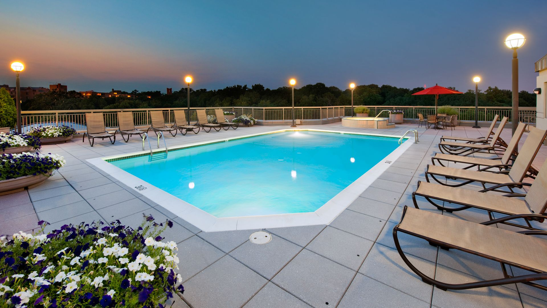 Park Connecticut Apartments - Rooftop Pool and Sun Deck
