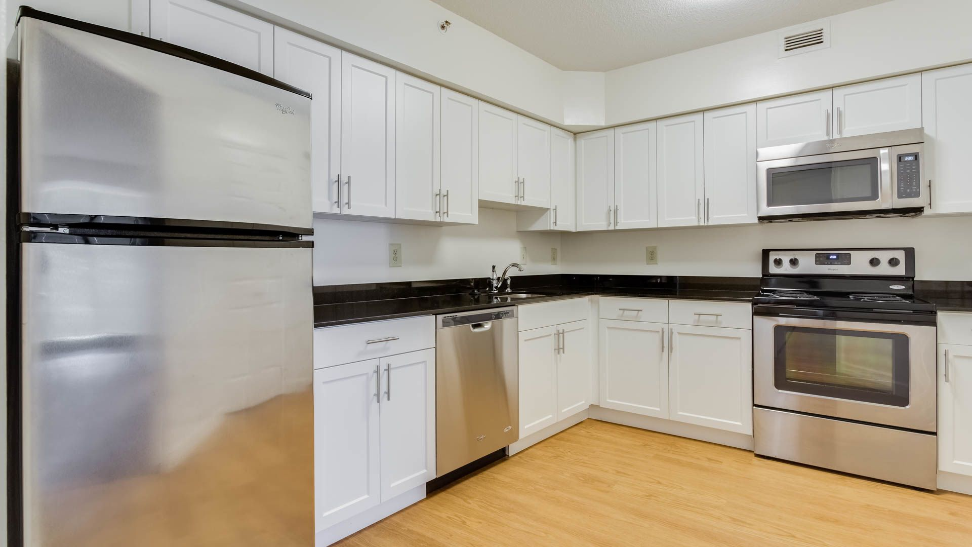 Water Park Towers Apartments - Kitchen