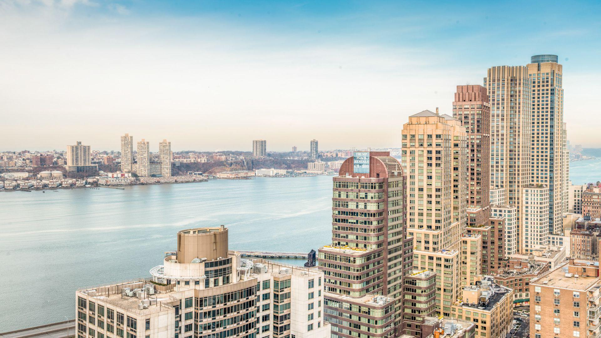 101 West End Apartments - River View