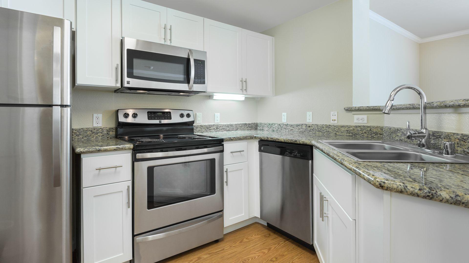 Park Place at San Mateo Apartments  - Kitchen