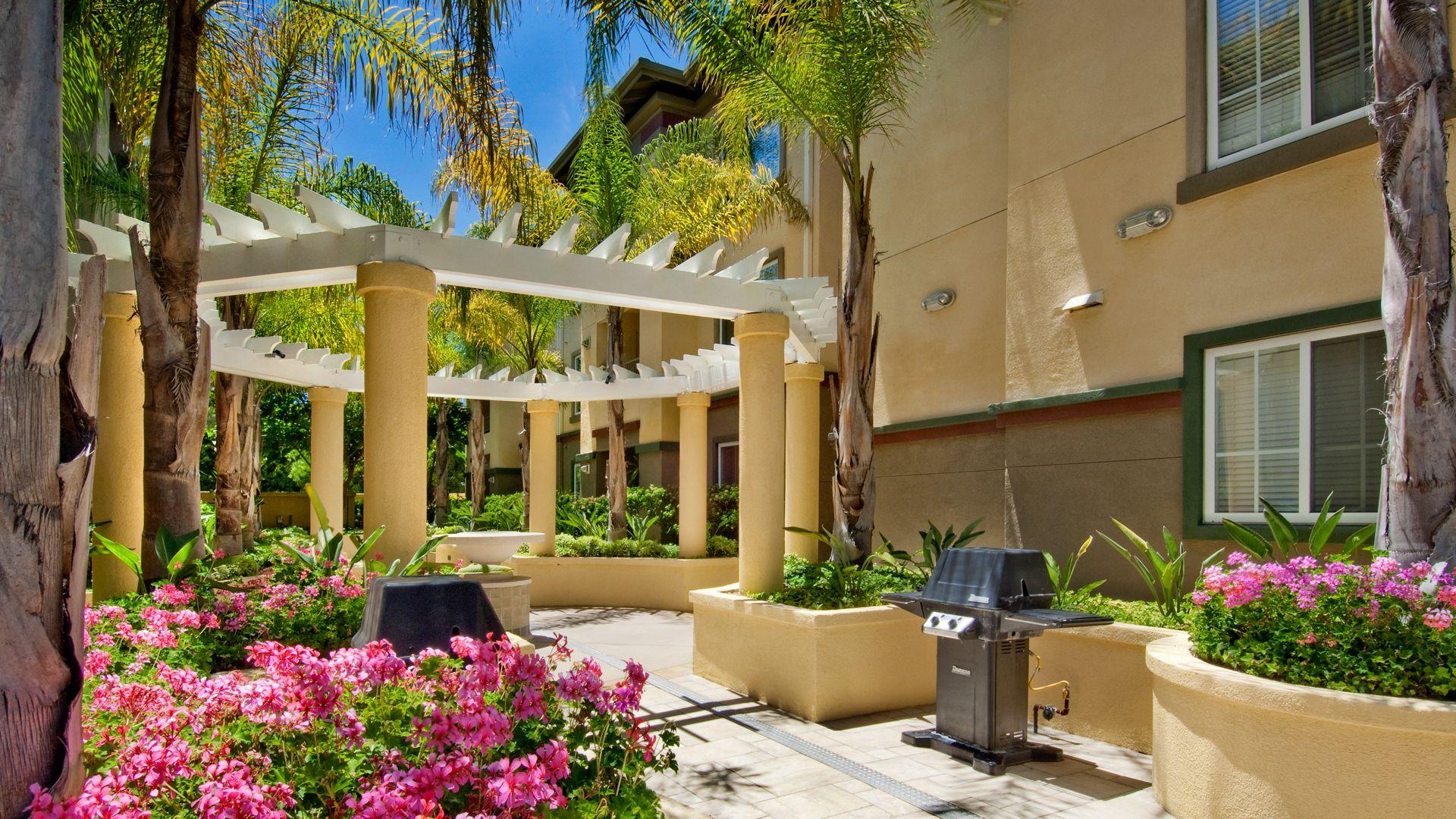 Westside - Courtyard