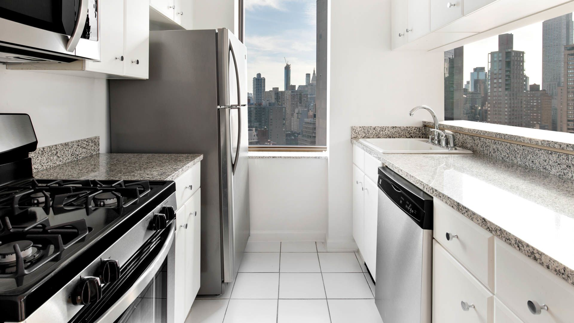 300 east 39th apartments in murray hill 300 east 39th for 10 east 39th street 8th floor new york ny 10016
