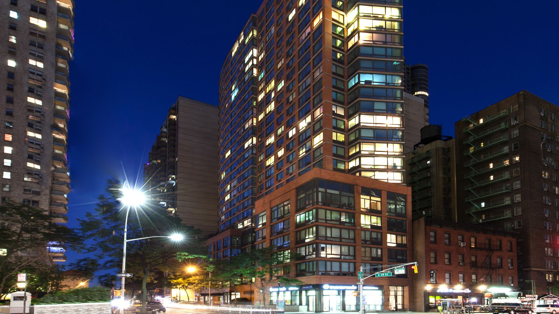 Great 300 East 39th Apartments   Exterior ...