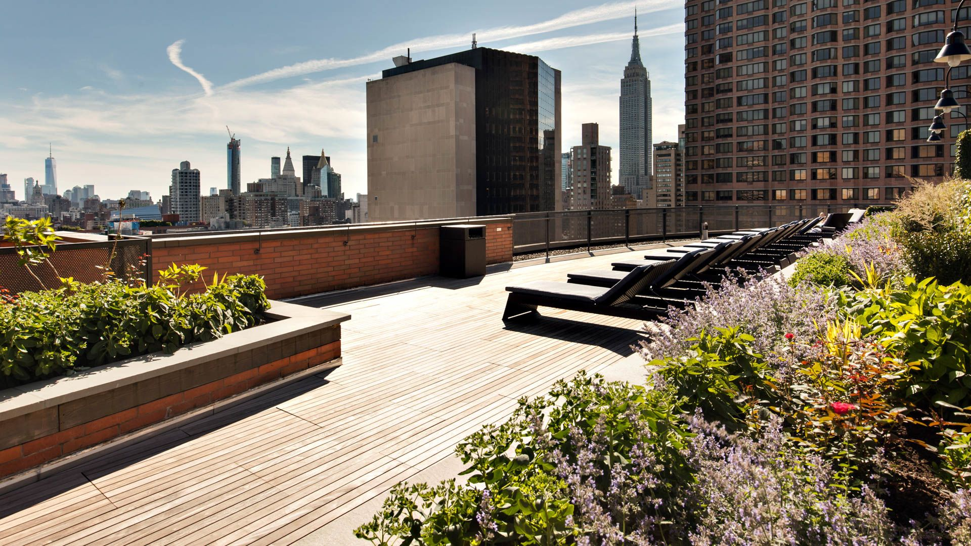 300 East 39th Apartments - Rooftop