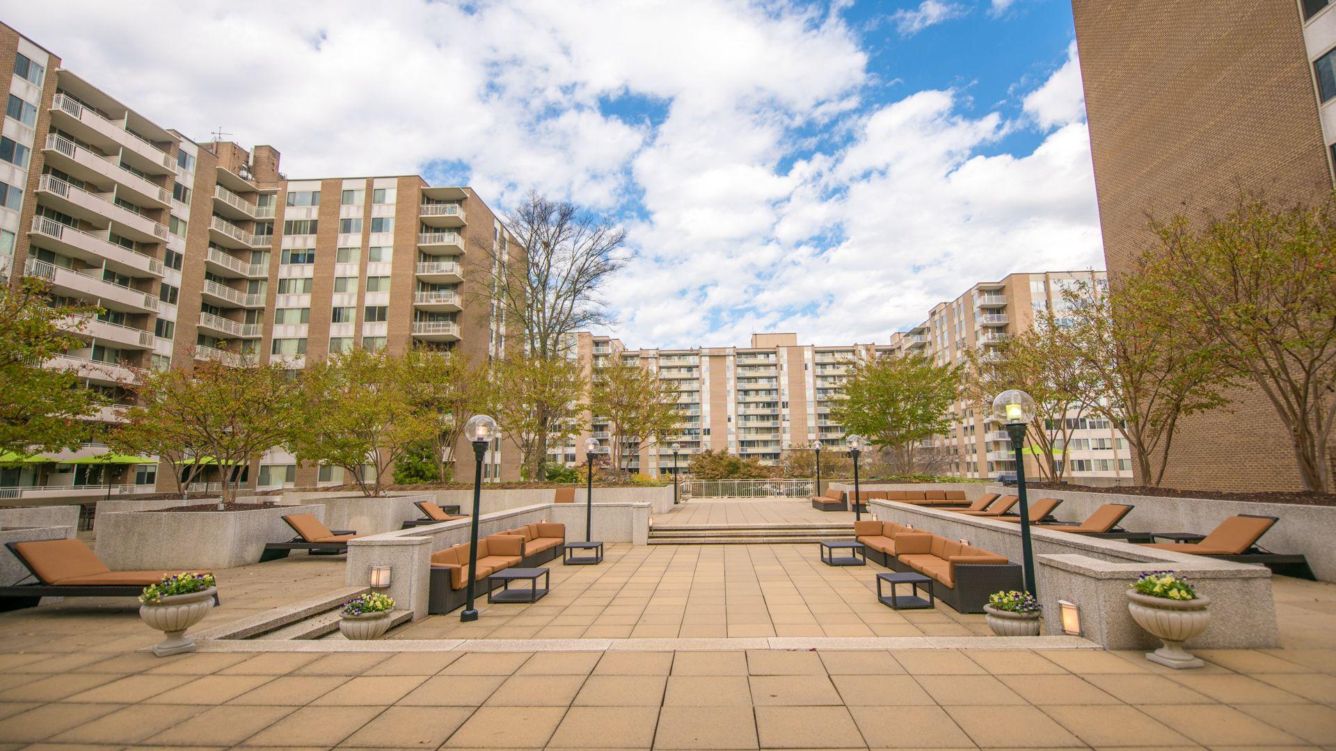 High Quality Alt 3003 Van Ness Apartments   Sun Deck